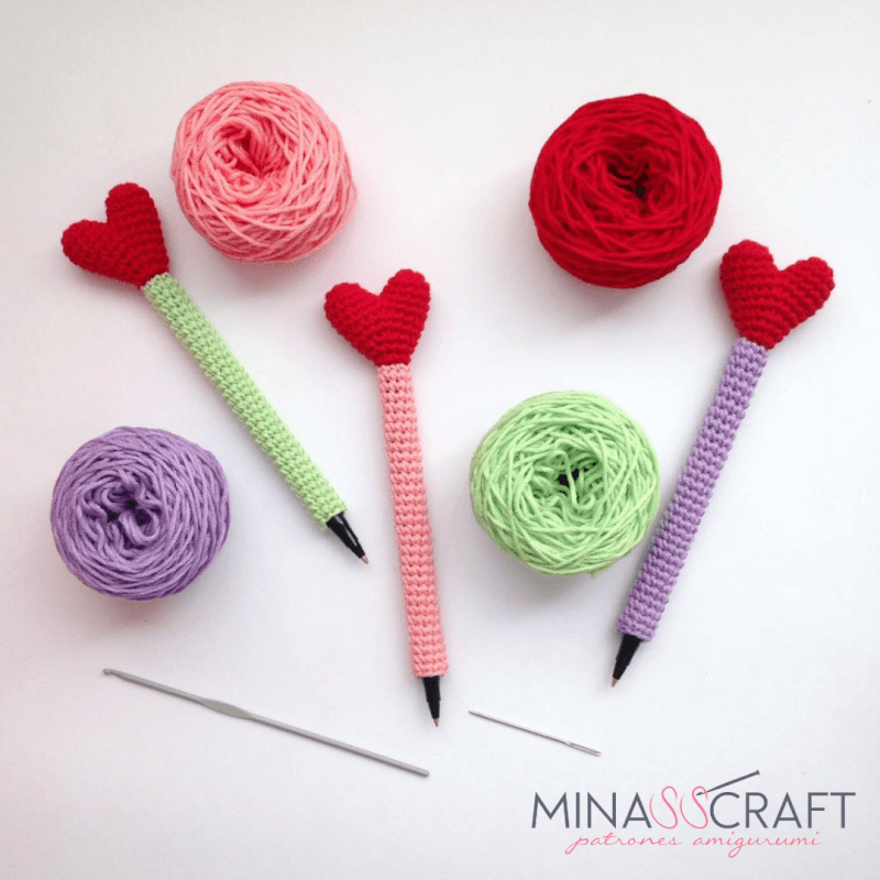 Crochet Heart Pen And Pencil Cozy
